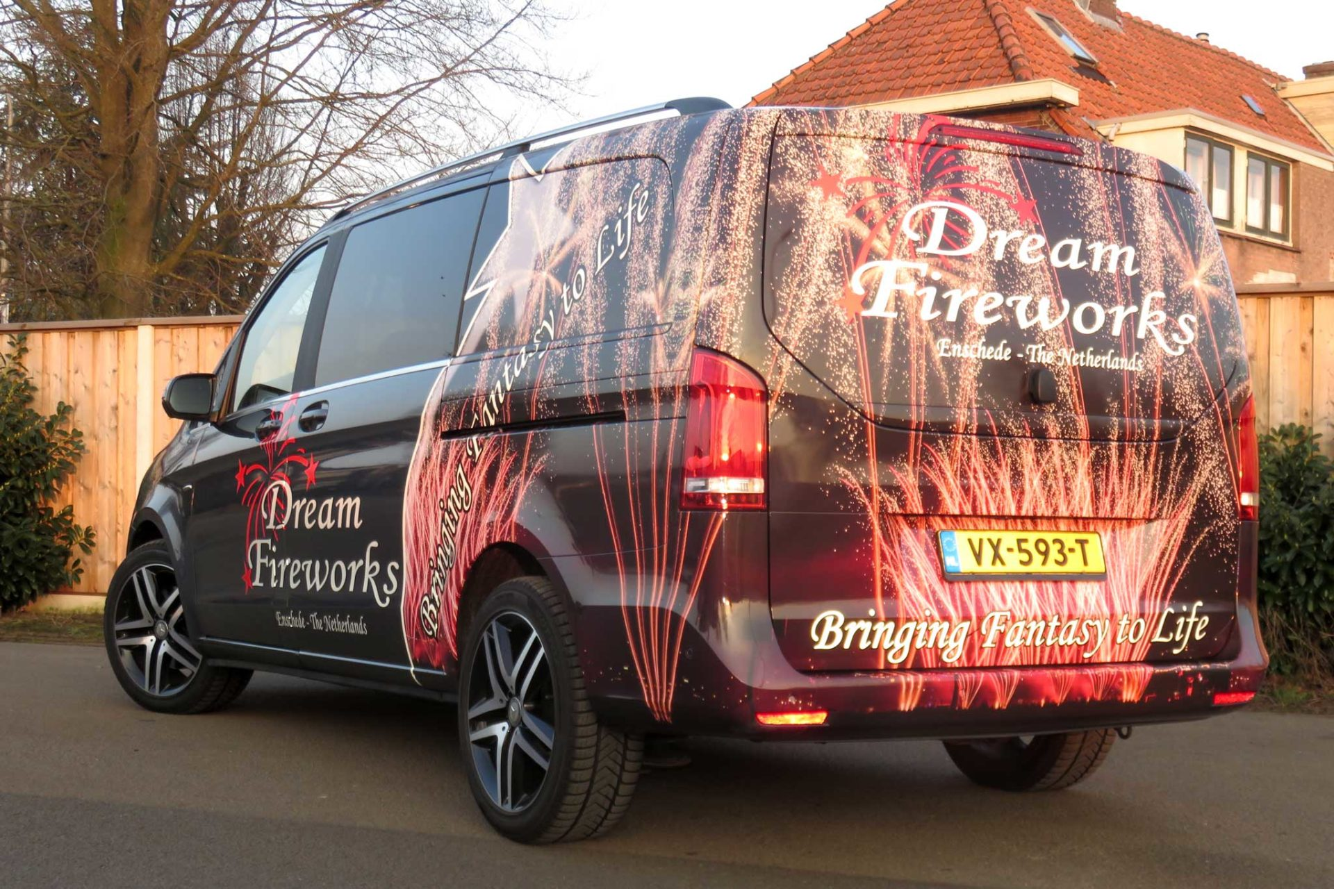 Bedrijfsbus reclame - Dream Fireworks Enschede